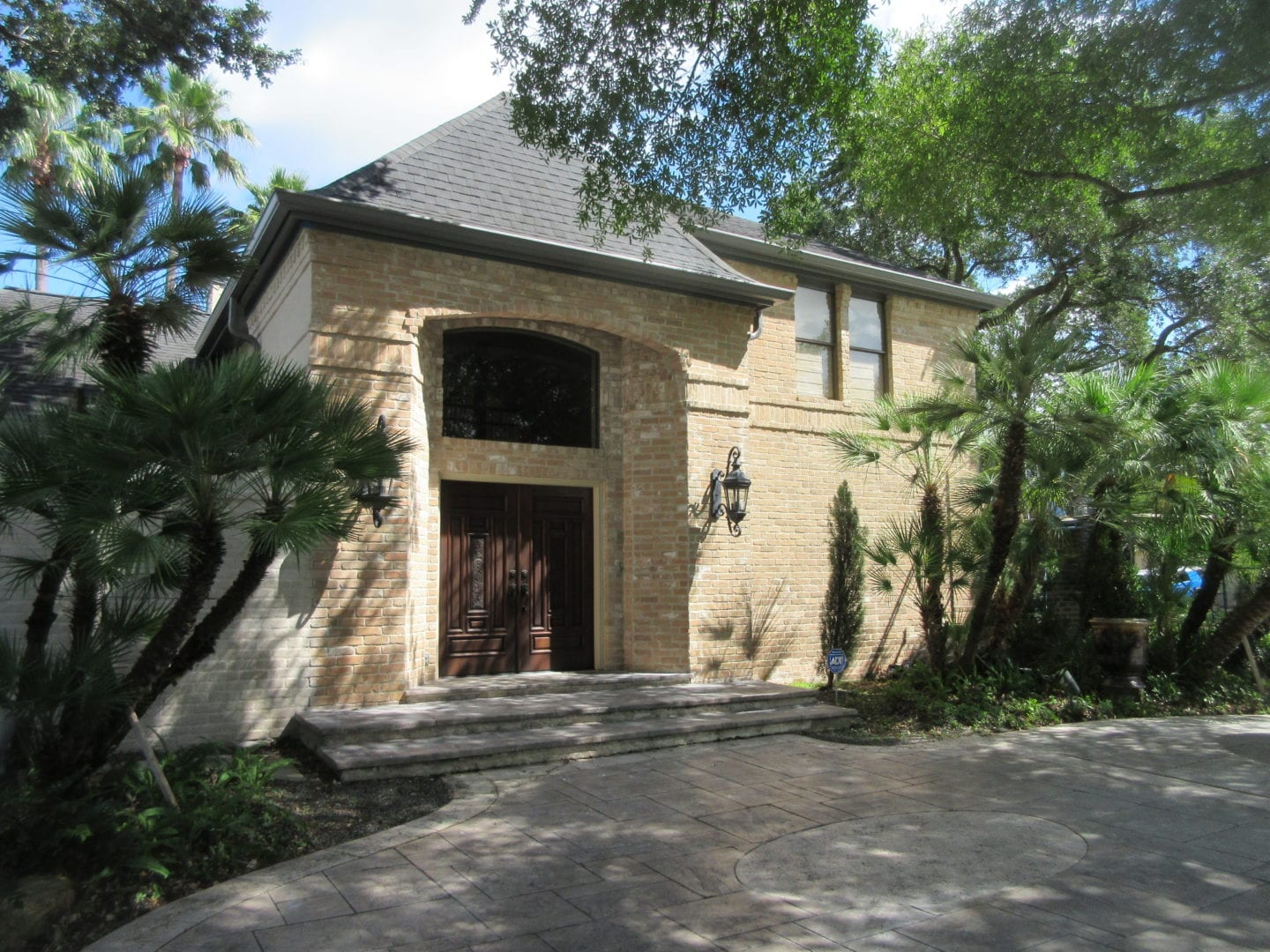 Lime Washed House | Slurries and Lime Wash serving Houston-Metro Area